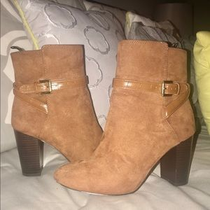 🍁H&M Tan Suede Ankle Boots